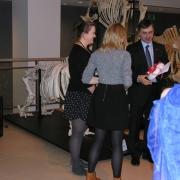 """Laureatki III nagrody w konkursie """"Świąteczny sernik"""" - Natalia Sowa i Jowita Nowakowska z Katedry Biologii Molekularnej"""